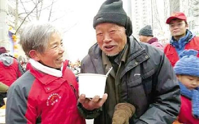郑州俩公益人士 获全国奖项 一起认识一下他们