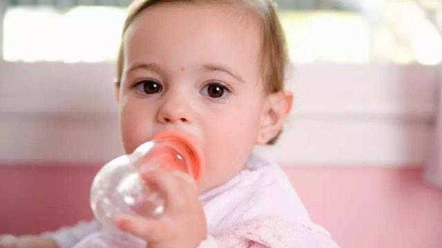 母乳喂养何时开始