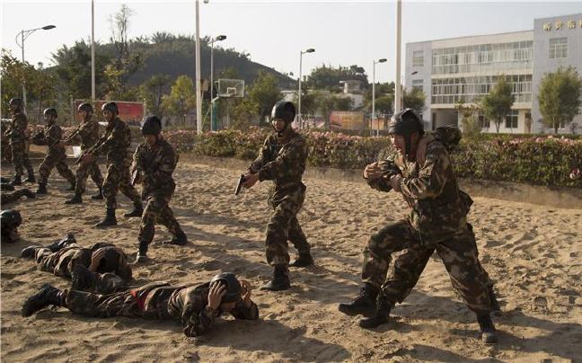 云南武警普洱支队:提升执勤哨兵灵活处置应变能力