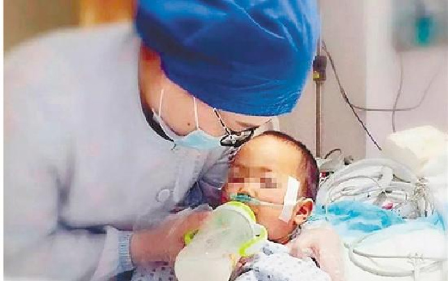 爹妈两次放弃,医院一再坚持 两岁溺水男孩终获救