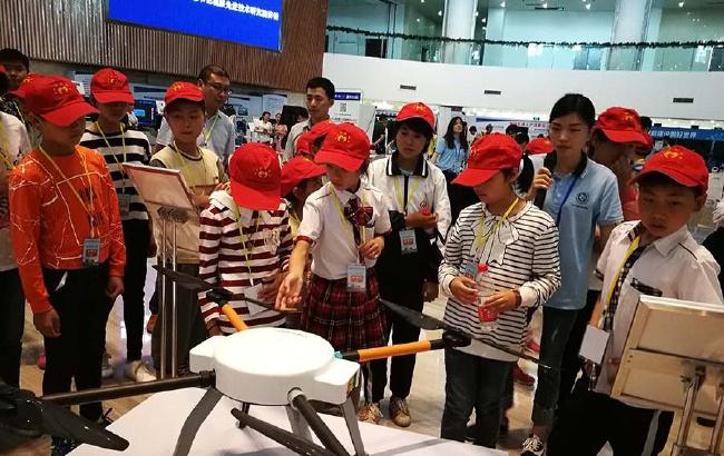 安徽贫困学子合肥乐享科技盛宴
