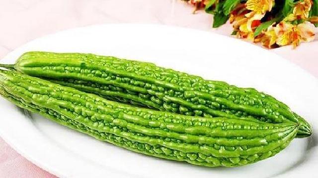 """夏季為什么要多吃""""苦""""?首選苦瓜"""