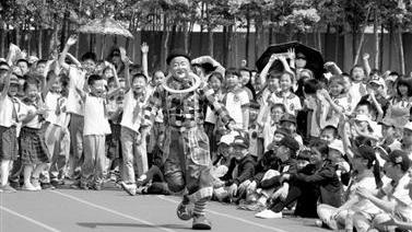 辽宁:两千志愿者开展主题活动八百场