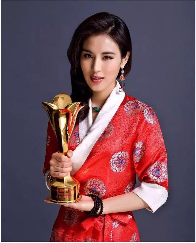 德姬:她主演的《德兰》在上海国际电影节获大奖之后……