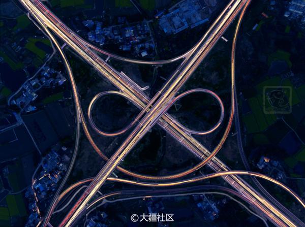 利用PS堆栈的方法拍夜景中的高速公路