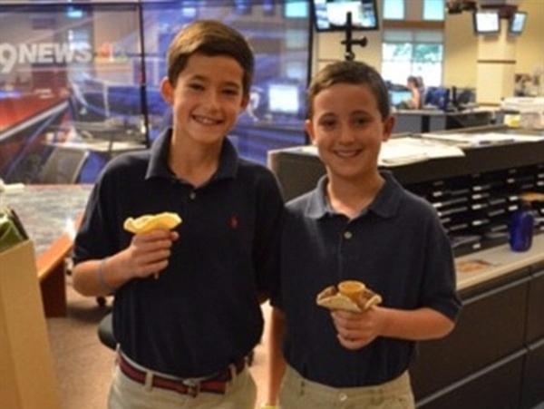 奇思妙想:美国两少年发明新款冰淇淋筒 获奖5万美元