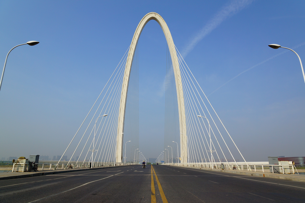 �f;�>��p_浐灞大桥气势雄伟