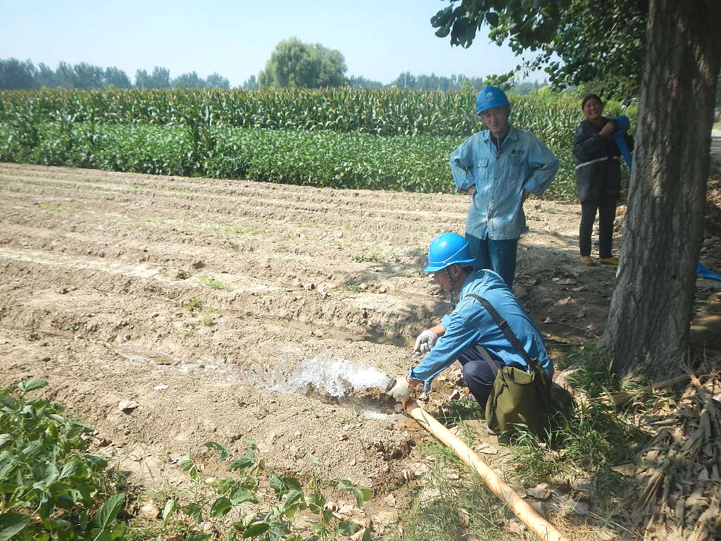 服务村民排灌用电