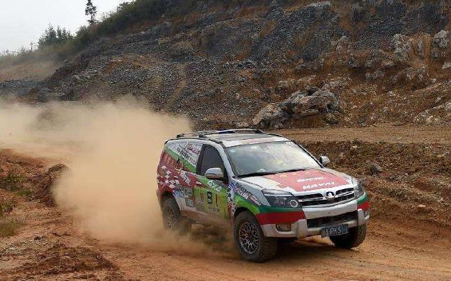 中国-东盟国际汽车拉力赛即将发车