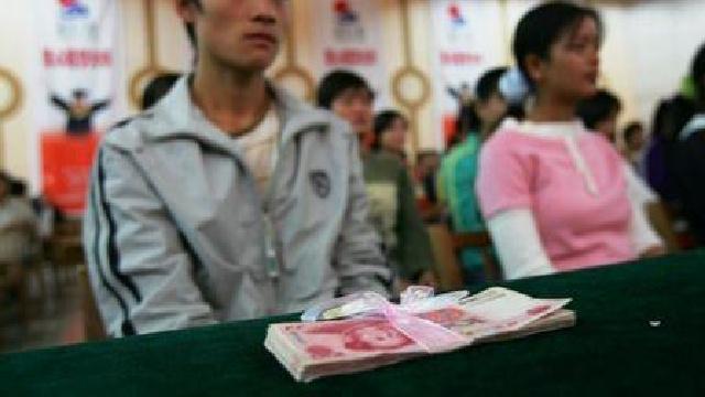"""大连260名贫困大学生获希望工程""""正源""""奖学金"""