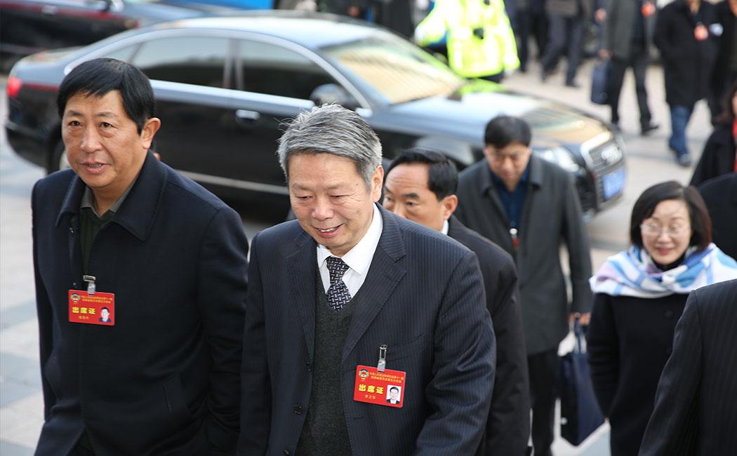 安徽省政协十一届五次会议政协委员入场