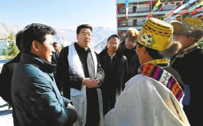 吴英杰向全区各族人民致以新春的美好祝福