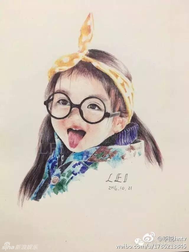村长李锐在微博上晒出一组萌娃的手绘图,阿拉蕾吐舌可爱,安吉抿嘴娇羞