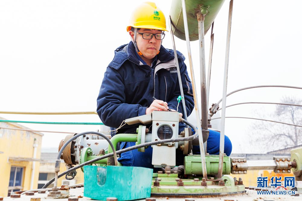 河南滑县:电力检修保春灌