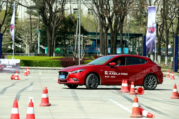 新昂克赛拉 开创运动型精品轿车新时代