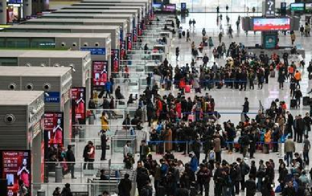 4月1日至4日郑州铁路局累计发送旅客193万人 同比增幅达14.9%