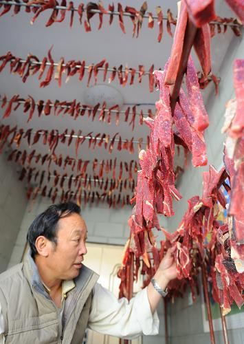 萌图看西藏第16期:罗萨要到了,风干肉该收了!