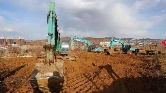 锦州144个亿元以上项目开复工