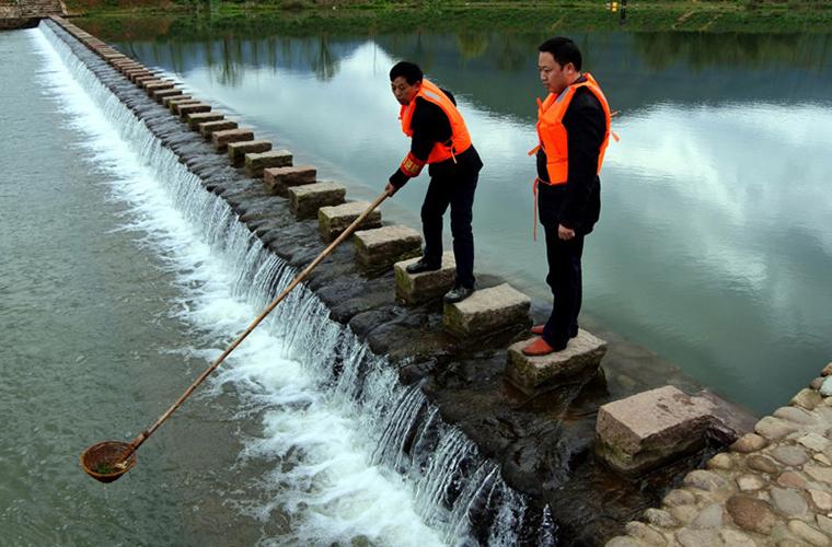 """河长制:""""五水共治""""中的制度创新和关键之举"""