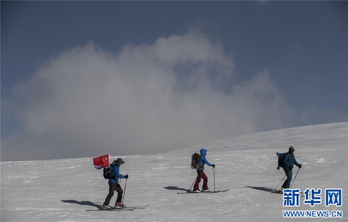 """登山——""""向着雪山进发"""""""