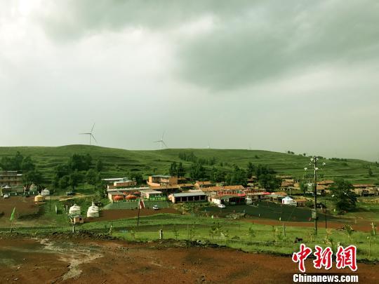"""张北""""草原天路""""成京津冀游客旅游胜地"""