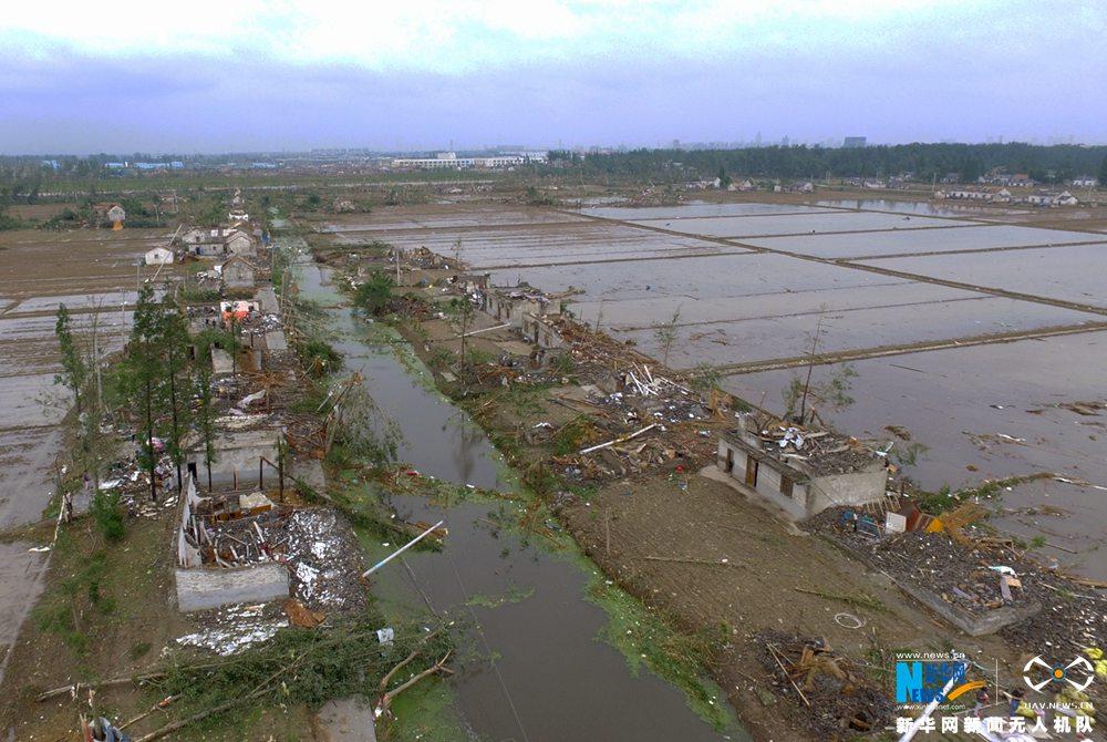 新華網航拍:江蘇鹽城市龍卷風受災現場