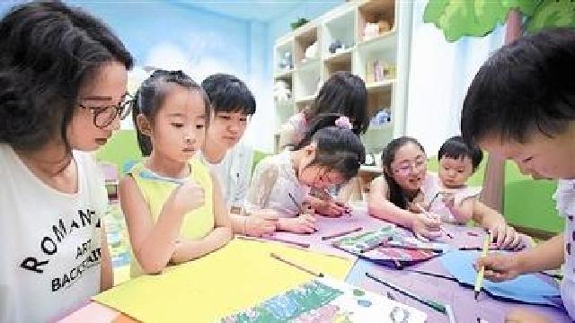大连:小天使书屋成为孩子快乐成长的园地