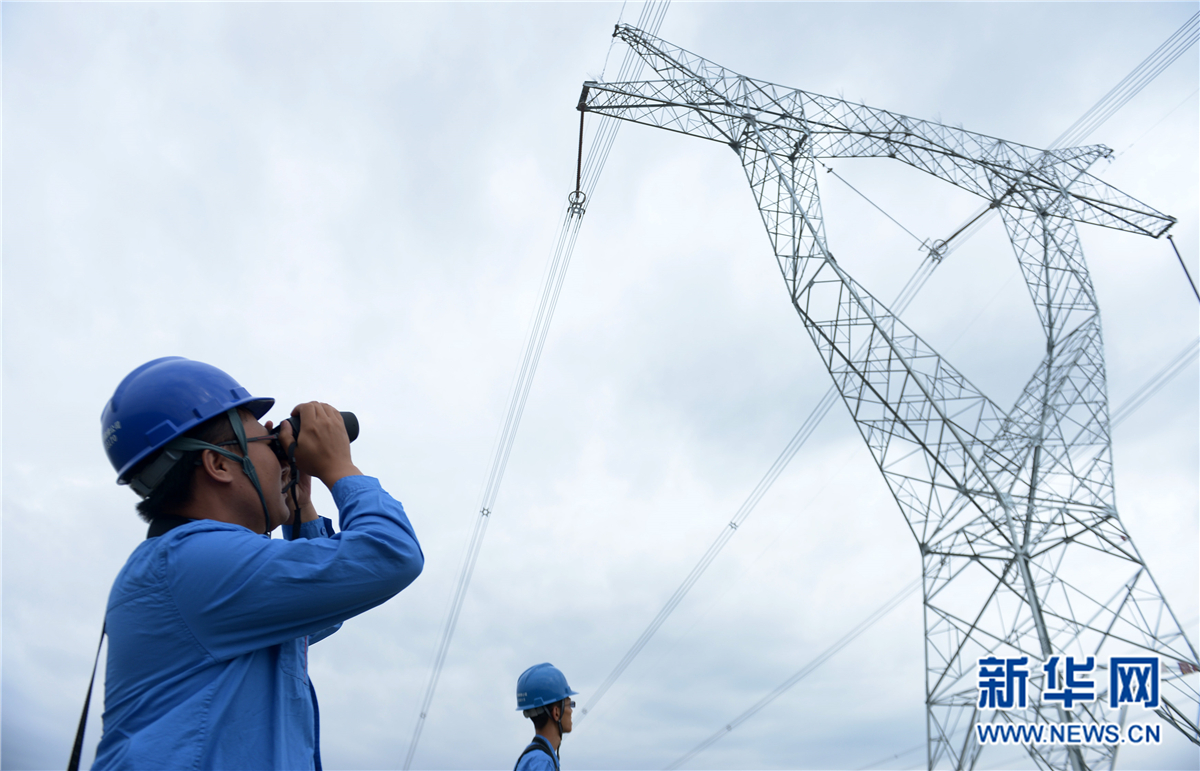 """青海""""电力天路""""接纳西藏水电逾6亿千瓦时"""