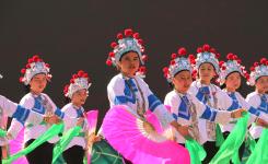 赏民俗、品茶香,瑶族壮族同胞载歌载舞祭盘王