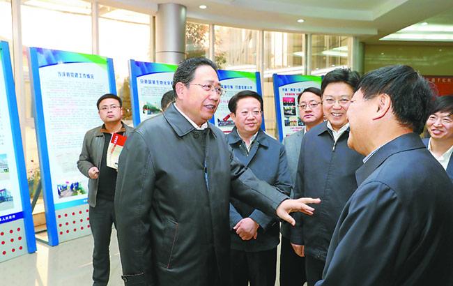 李锦斌深入马鞍山调研党的建设和经济社会发展情况