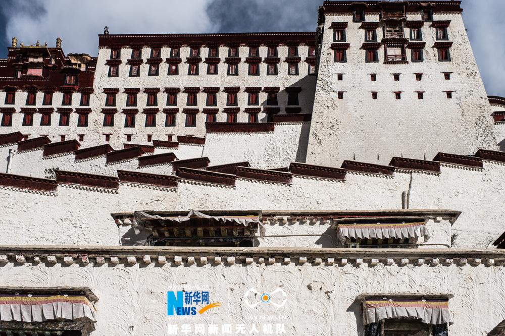 鸟瞰世界文化遗产布达拉宫