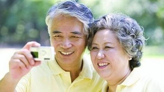 老年人掉牙多风险高 抑郁症坐姿好调心情