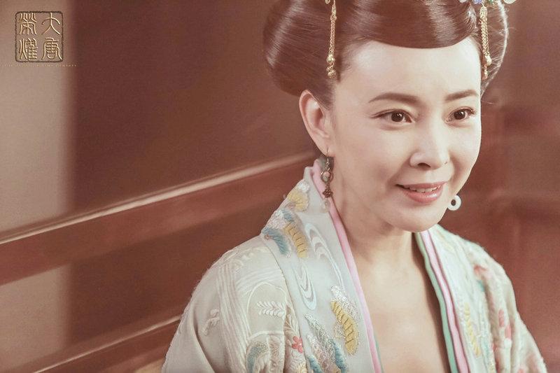 《大唐荣耀》热播 刘威葳古装扮相吸引观众注意