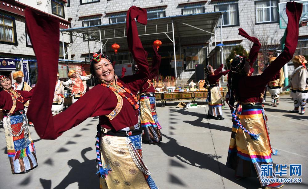 西藏:藏族同胞欢度藏历新年