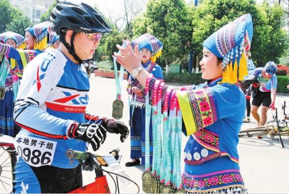 罗平第六届国际花海山地自行车节收官