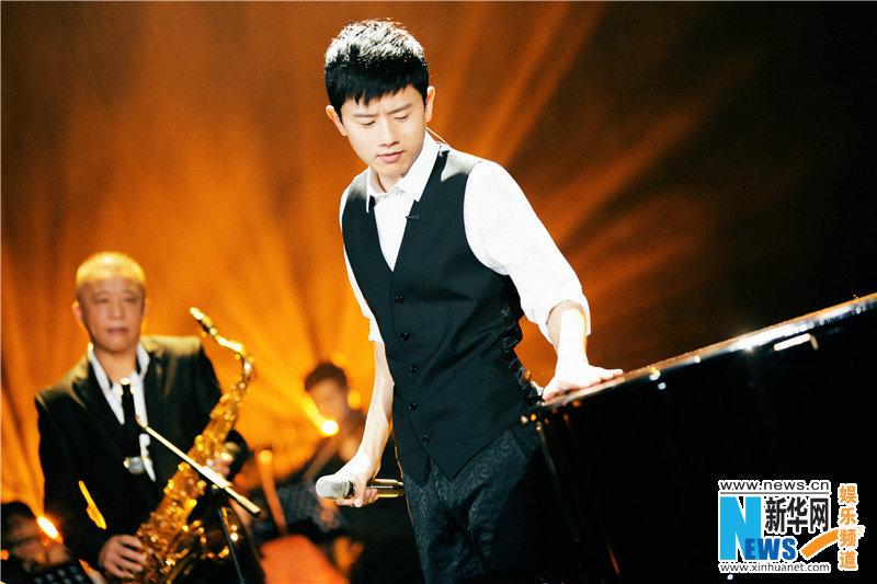 《歌手》众歌手突破自我彰显音乐活力 李健诠释歌手责任