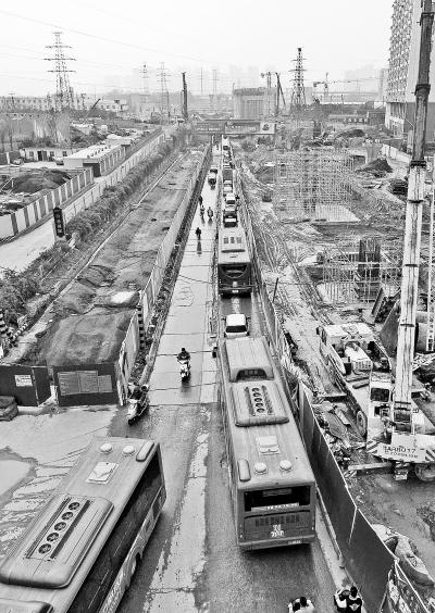 郑州农业路两区域封闭施工7个月 看看咋绕行