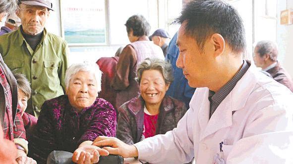 去年辽宁省卫计委对15个贫困县开展对口帮扶 诊疗患者13655人次