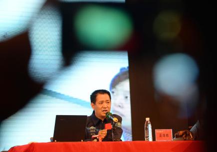 航天员聂海胜与高校学子分享太空经历