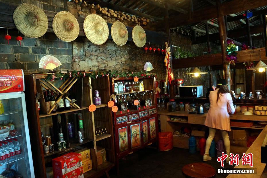 江西余干乡村酒吧 老房子里演绎新生活