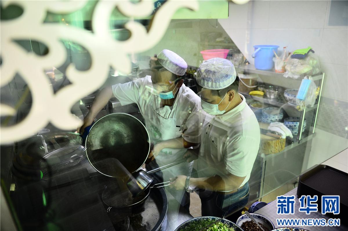 青海:2016年拉面产业收入达180亿元 助力脱贫