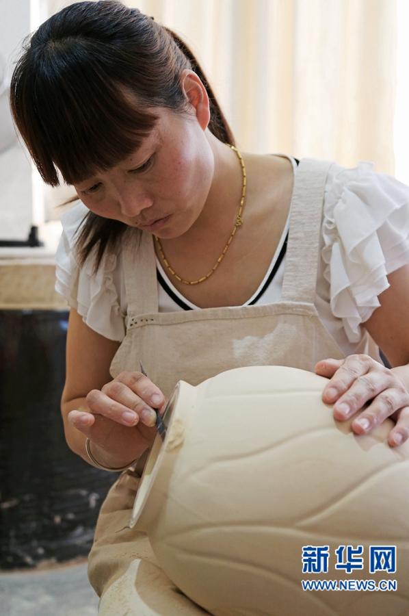 【我为中原出彩做贡献】李廷怀:执着让他从农家娃成长为中国汝瓷大师