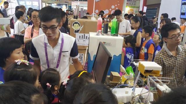 阜新:在校学生自主研发3D打印机