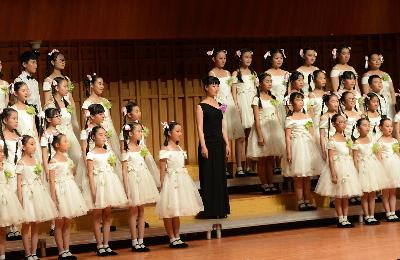 三十年为爱而行——冯长路与小天鹅三十周年合唱音乐会在西安举行