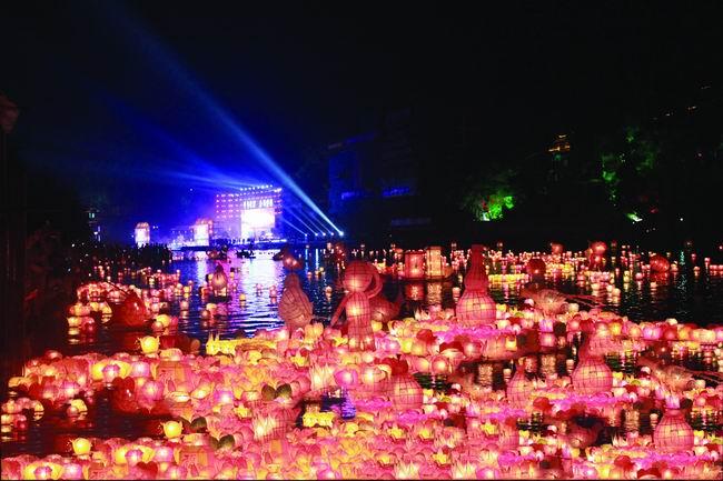 广西资源:河灯歌节8月14-16日刮起最炫民俗风