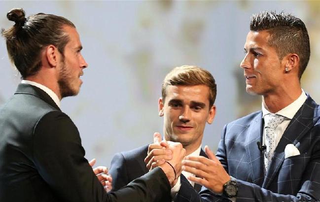 欧足联颁奖:克·罗纳尔多获欧洲最佳男球员奖