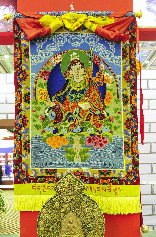 回看往届藏博会上的日喀则
