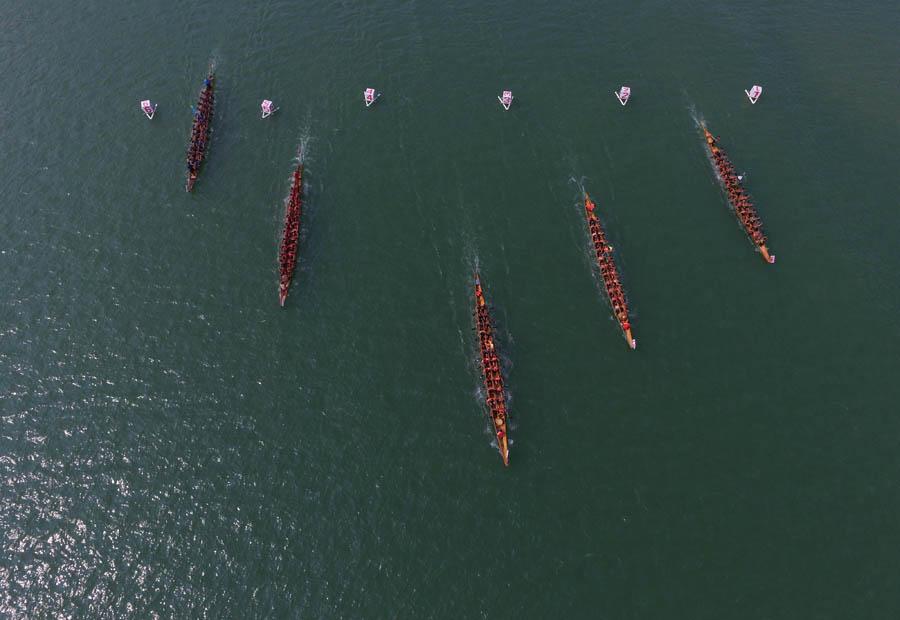 广西融安县举行第十八届龙舟大赛
