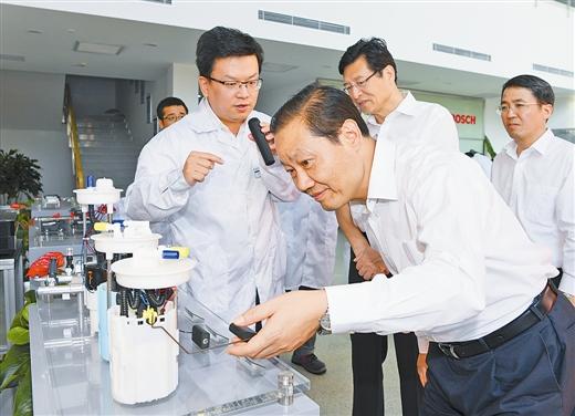 彭清华在柳州调研强调创新是转型升级的根本出路