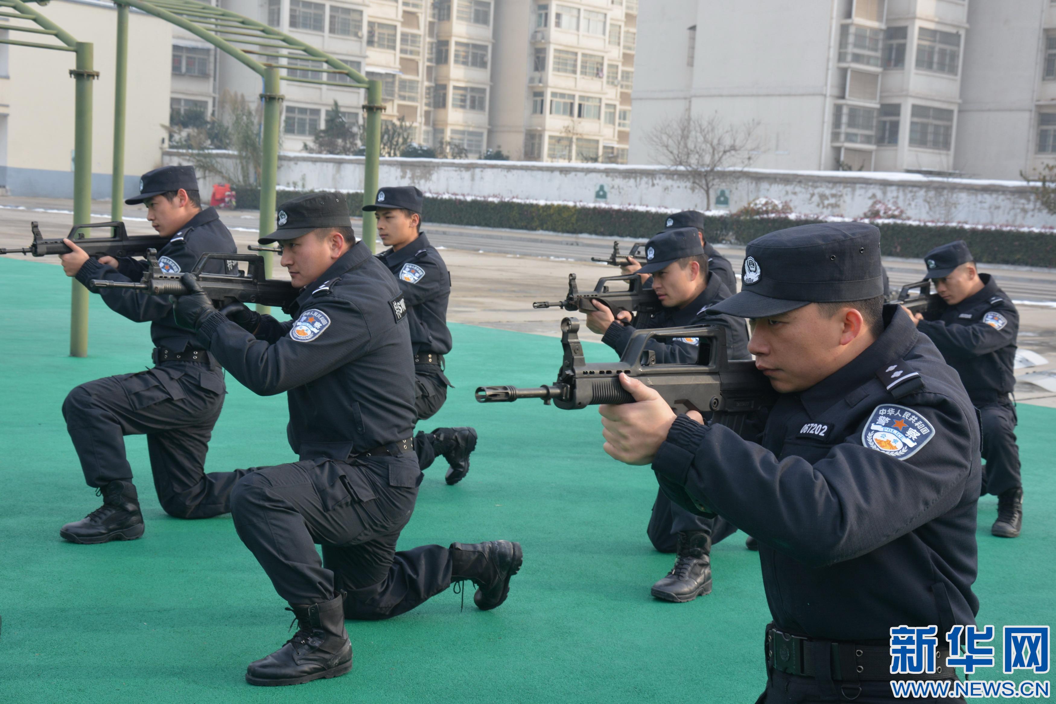 安徽亳州:特警雪中砺精兵